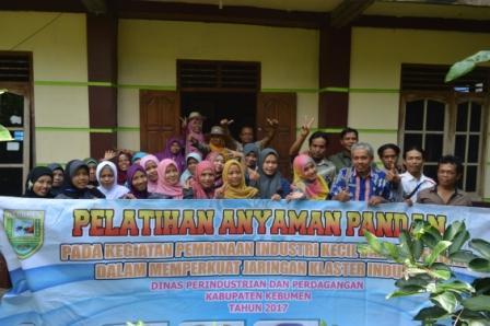 """Kunjungan ke """"Yudha Craft"""" Desa Caturharjo, Kecamatan Pandak, Kabupaten Bantul"""