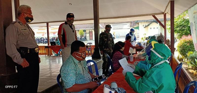 Pastikan Bebas COVID-19, PPS Kecamatan Prembun Ikuti Rapid Test
